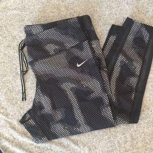 Nike DRI-FIT Ankle Length Pant